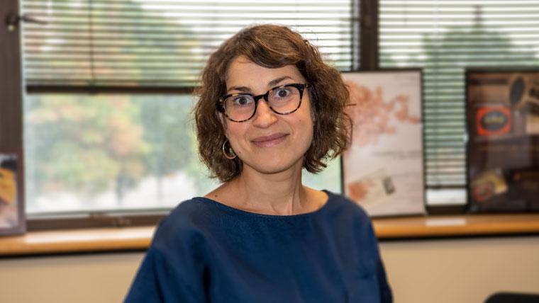 Abby Koenig, Professorin