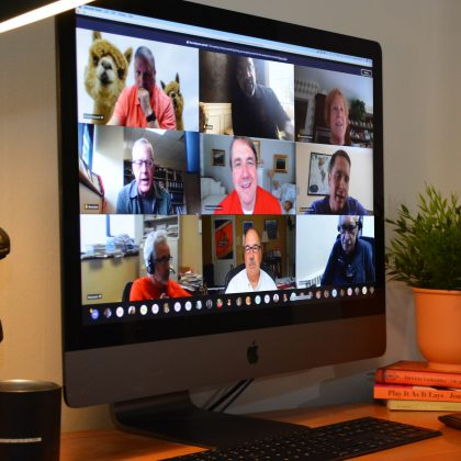An Imac displaying an MS TEAMS meeting.